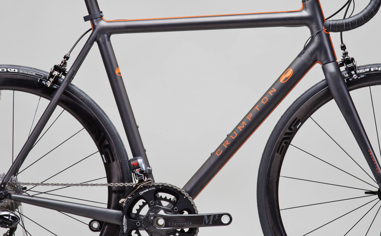 t5 with new racing stripe motif in matte orange over raw carbon